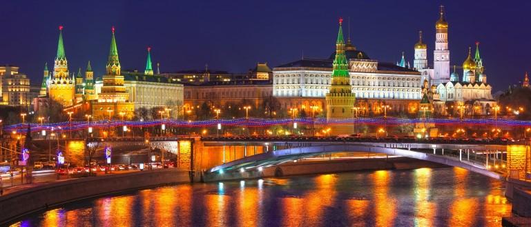 vechernyaya-obzornaya-ekskursiya-po-moskve-2.jpg